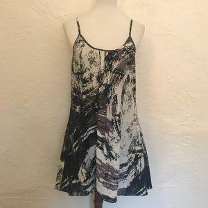 Adstract trapeze tunic/dress.